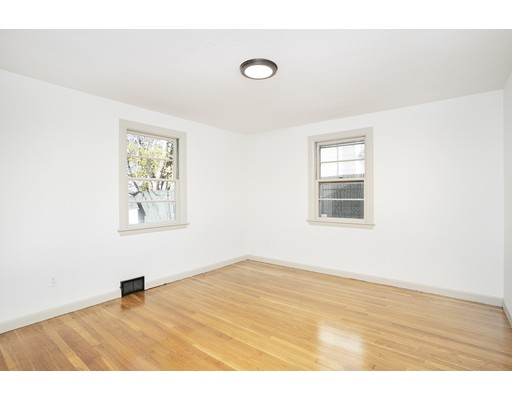 Picture 6 of 22 Charles St  Salem Ma 2 Bedroom Single Family