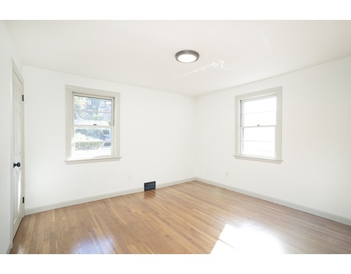 Picture 8 of 22 Charles St  Salem Ma 2 Bedroom Single Family