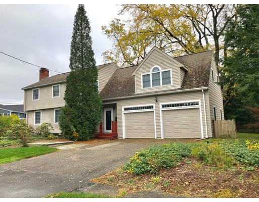 Picture 2 of 20 Whiting Way  Needham Ma 4 Bedroom Single Family