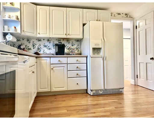 Picture 3 of 20 Whiting Way  Needham Ma 4 Bedroom Single Family