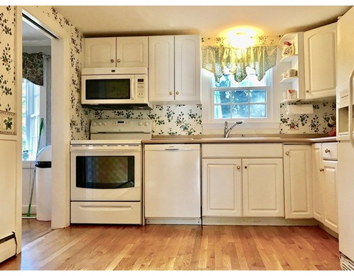Picture 7 of 20 Whiting Way  Needham Ma 4 Bedroom Single Family