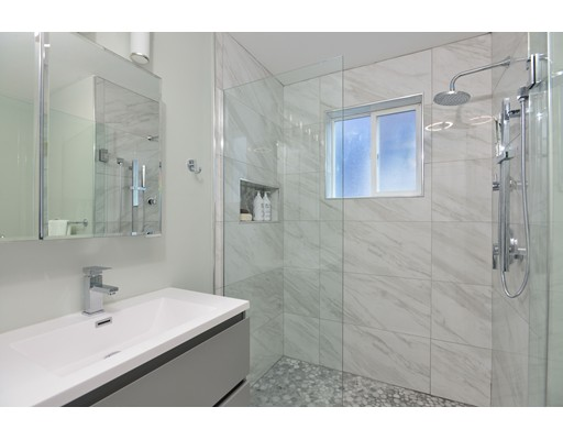 Picture 12 of 11 Ruthven St Unit 2 Boston Ma 4 Bedroom Condo