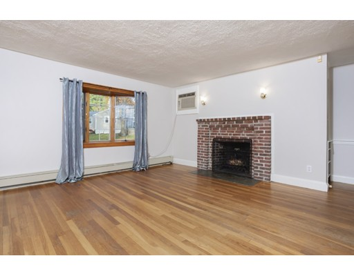 Picture 2 of 50 Forest St  Reading Ma 3 Bedroom Single Family