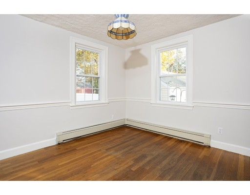 Picture 5 of 50 Forest St  Reading Ma 3 Bedroom Single Family