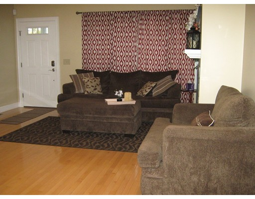 Picture 11 of 32 17th Ave Unit 1 Haverhill Ma 4 Bedroom Condo