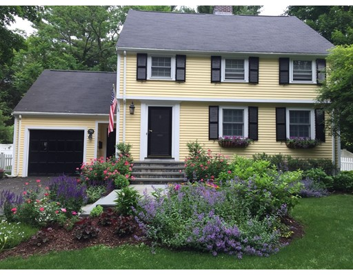 Picture 2 of 79 Leighton Rd  Wellesley Ma 4 Bedroom Single Family
