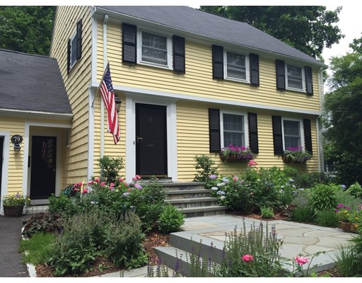 Picture 3 of 79 Leighton Rd  Wellesley Ma 4 Bedroom Single Family