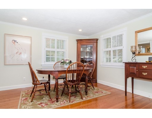 Picture 6 of 79 Leighton Rd  Wellesley Ma 4 Bedroom Single Family