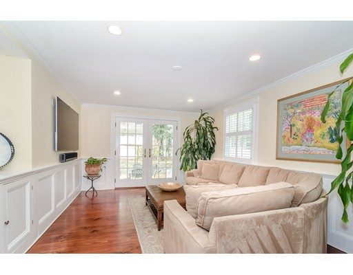 Picture 7 of 79 Leighton Rd  Wellesley Ma 4 Bedroom Single Family