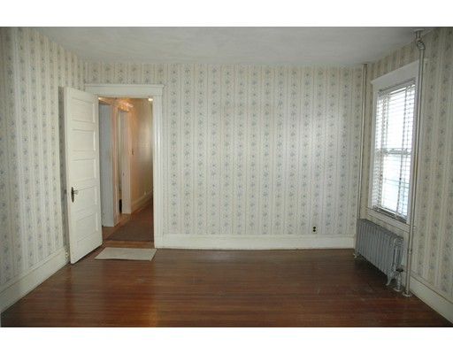 Picture 6 of 10-12 Norseman Ave  Watertown Ma 6 Bedroom Multi-family