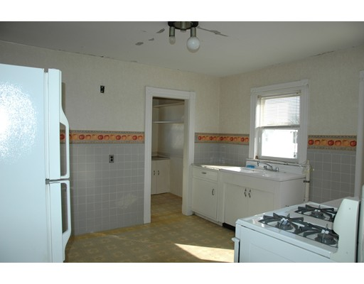 Picture 10 of 10-12 Norseman Ave  Watertown Ma 6 Bedroom Multi-family