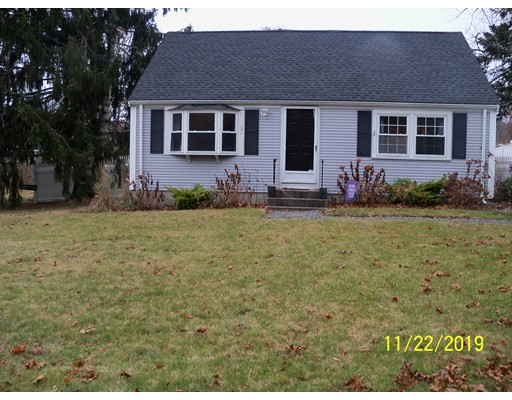 22 Monument Neck Rd, Bourne, MA 02532