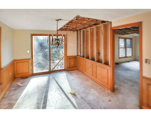 Picture 8 of 2 Greenbriar Cir  Andover Ma 4 Bedroom Single Family