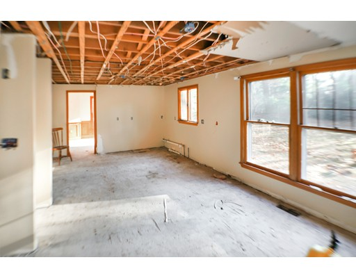 Picture 9 of 2 Greenbriar Cir  Andover Ma 4 Bedroom Single Family