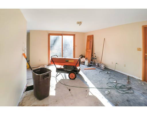 Picture 10 of 2 Greenbriar Cir  Andover Ma 4 Bedroom Single Family
