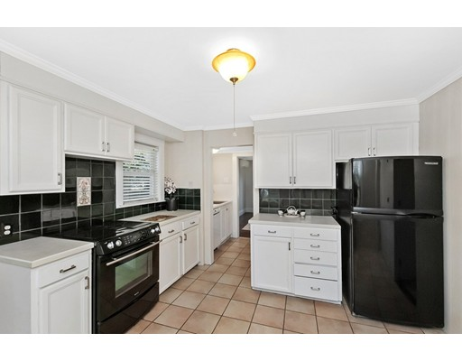Picture 10 of 9 Connecticut Ave  Natick Ma 4 Bedroom Single Family