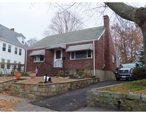 Picture 2 of 11 Bailey St  Quincy Ma 2 Bedroom Single Family