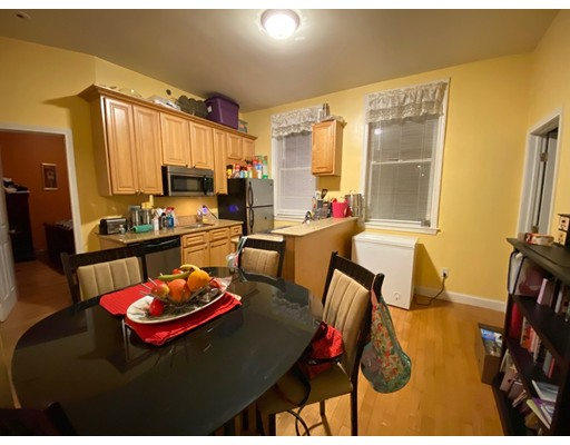 Picture 4 of 158 Sumner St Unit 1 Quincy Ma 2 Bedroom Condo