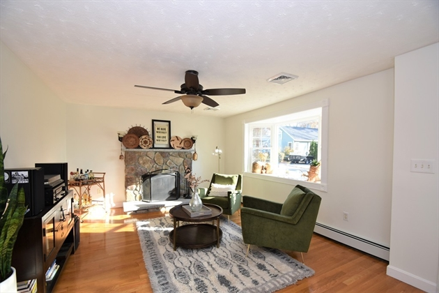 Picture 12 of 263 Passaconaway Dr  Dracut Ma 2 Bedroom Single Family