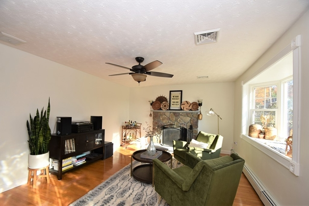 Picture 13 of 263 Passaconaway Dr  Dracut Ma 2 Bedroom Single Family