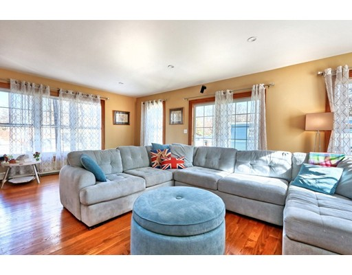Picture 7 of 46 Mayflower Rd  Quincy Ma 5 Bedroom Single Family