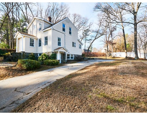 Picture 2 of 8 Marshbrook Rd  Billerica Ma 3 Bedroom Single Family