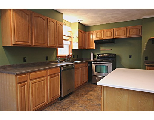 Picture 3 of 26 Serino Way  Saugus Ma 6 Bedroom Multi-family