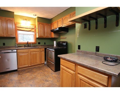 Picture 4 of 26 Serino Way  Saugus Ma 6 Bedroom Multi-family