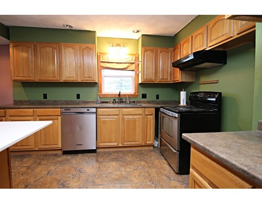 Picture 5 of 26 Serino Way  Saugus Ma 6 Bedroom Multi-family