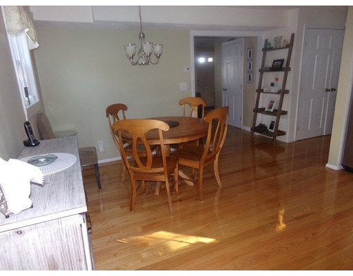 Picture 5 of 55-R Melvin St  Wakefield Ma 2 Bedroom Single Family