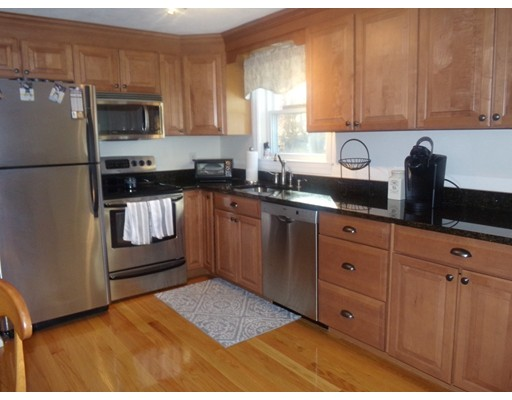 Picture 7 of 55-R Melvin St  Wakefield Ma 2 Bedroom Single Family