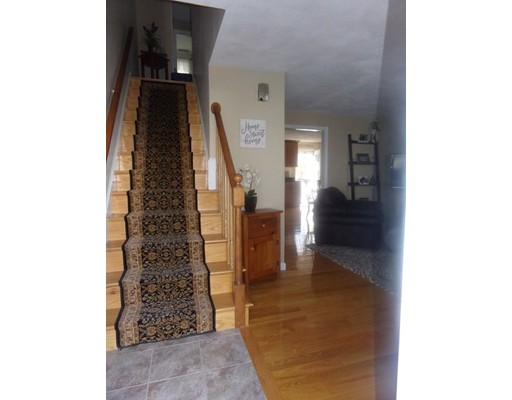 Picture 8 of 55-R Melvin St  Wakefield Ma 2 Bedroom Single Family