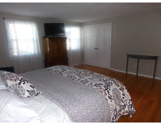 Picture 11 of 55-R Melvin St  Wakefield Ma 2 Bedroom Single Family