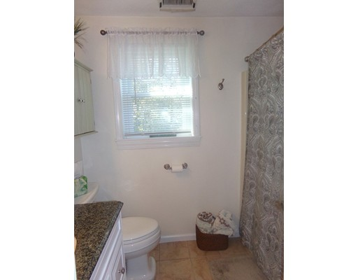 Picture 13 of 55-R Melvin St  Wakefield Ma 2 Bedroom Single Family