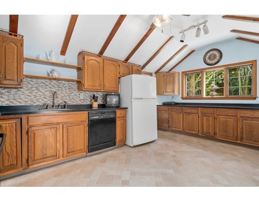 Picture 10 of 50 Pond St  Stoneham Ma 3 Bedroom Single Family