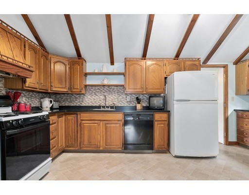 Picture 11 of 50 Pond St  Stoneham Ma 3 Bedroom Single Family