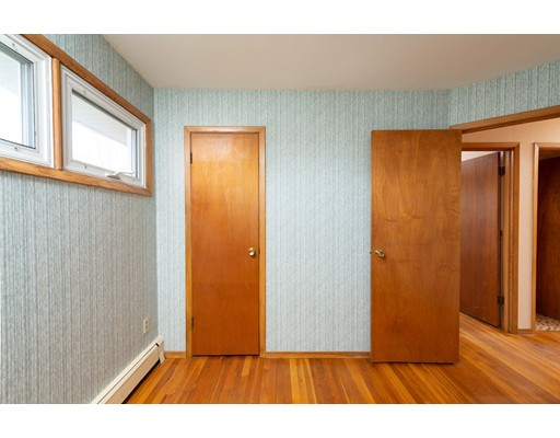 Picture 6 of 76 Midland Dr  Waltham Ma 3 Bedroom Single Family