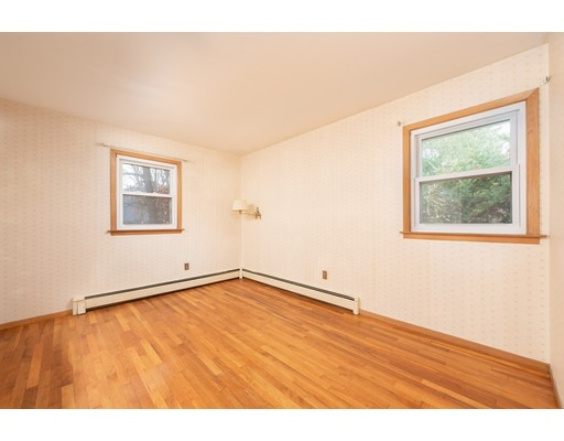 Picture 9 of 76 Midland Dr  Waltham Ma 3 Bedroom Single Family