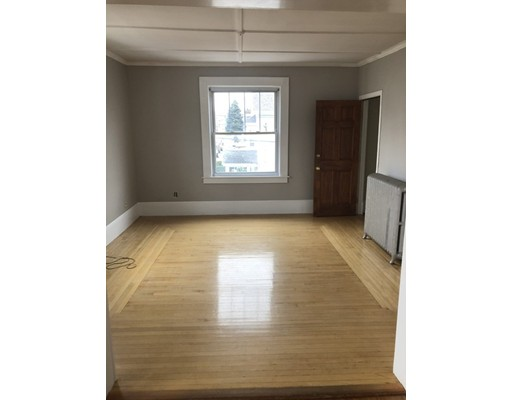 Picture 1 of 60 Linden St Unit 2 Salem Ma  3 Bedroom Rental#