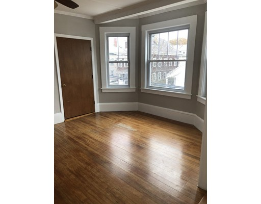 Picture 2 of 60 Linden St Unit 2 Salem Ma 3 Bedroom Rental