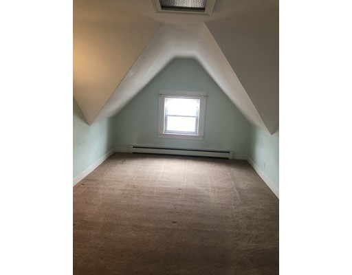 Picture 3 of 60 Linden St Unit 2 Salem Ma 3 Bedroom Rental