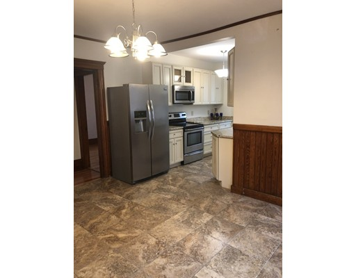 Picture 4 of 62 Leach St Unit 1 Salem Ma 2 Bedroom Rental