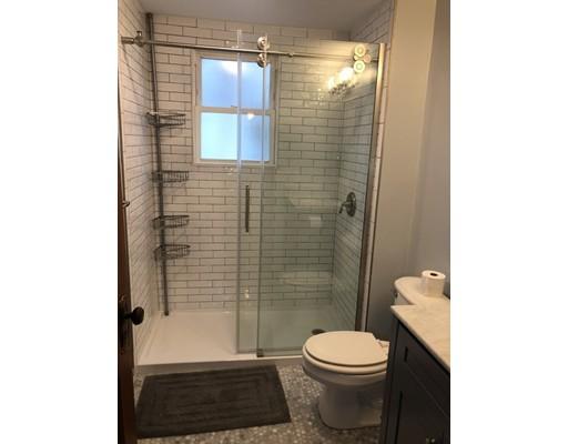 Picture 6 of 62 Leach St Unit 1 Salem Ma 2 Bedroom Rental