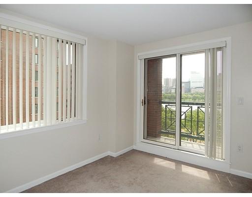 10 Rogers St. #819 Floor 8