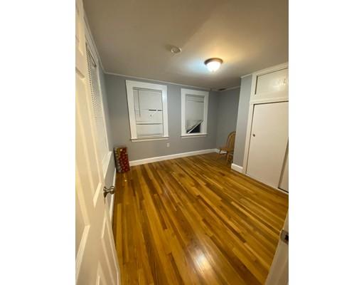 Picture 11 of 29 Hanson St Unit 2 Salem Ma 5 Bedroom Rental