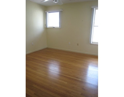Picture 2 of 31 Channing St Unit 3 Newton Ma 2 Bedroom Rental