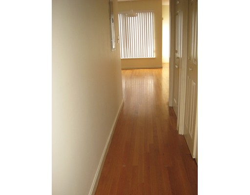 Picture 4 of 31 Channing St Unit 3 Newton Ma 2 Bedroom Rental