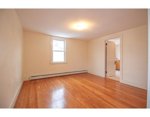 Picture 2 of 22 Piedmont St Unit 3 Salem Ma 2 Bedroom Rental