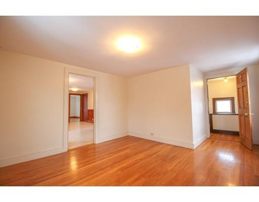 Picture 3 of 22 Piedmont St Unit 3 Salem Ma 2 Bedroom Rental