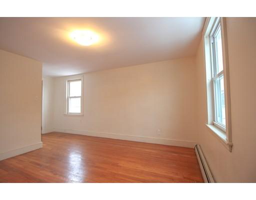 Picture 4 of 22 Piedmont St Unit 3 Salem Ma 2 Bedroom Rental